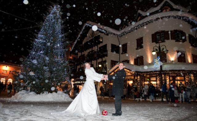 Matrimonio A Natale Streaming : Sposarsi a natale il matrimonio in inverno wedding dog